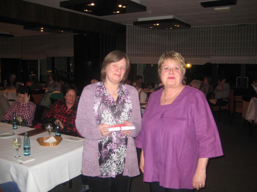 Klaudia Piliptschuk dankt der Referentin Christiane Bolz